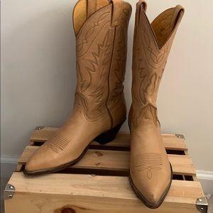 NOCONA light tan boots size 9